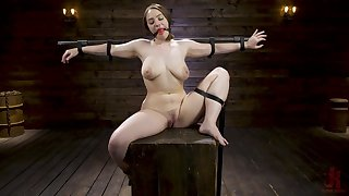 BDSM and a slave role is amazing experience with Hadley Mason