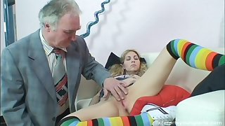 Old guy with a long prick drills deep in orgasmic pussy of Leona
