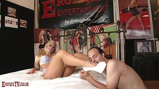 Blonde bombshell Holly Heart fucks her way toward a gripping orgasm